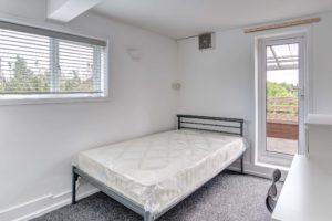 The pavilion bedroom 5
