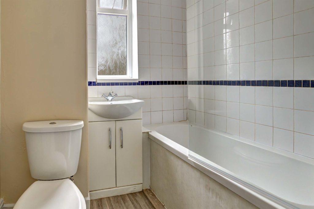 19TrafalgarSt-bathroom