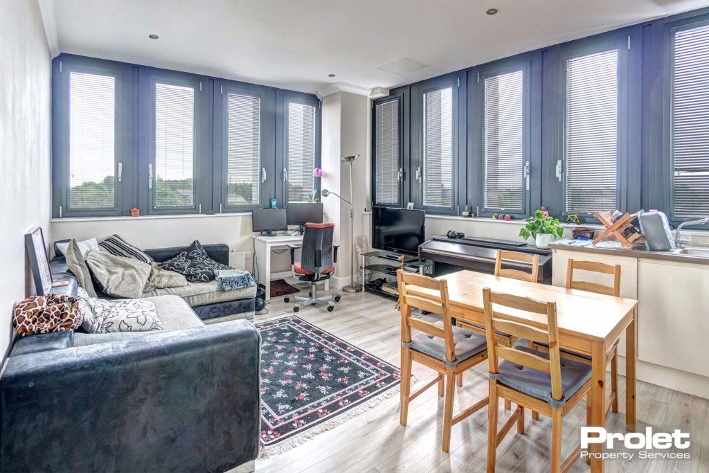 193SentinelHouse-lounge_a