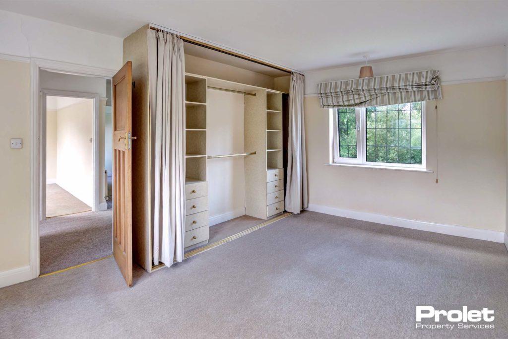 6LeopoldRd-bedroom1