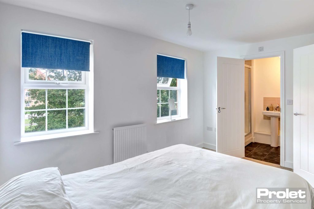 3CordwainerClose-bedroom1_a